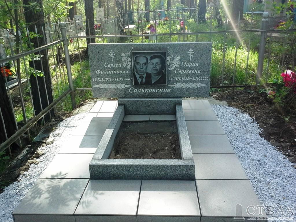 Памятники из суховязского гранита